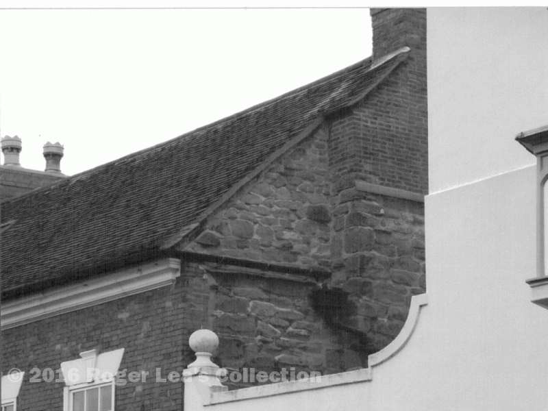 stone_gable_detail_001_001.png